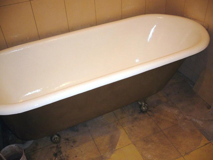 Краска для ванной - водостойкие, антисептические варианты без запаха и методы ее нанесения (105 фото)