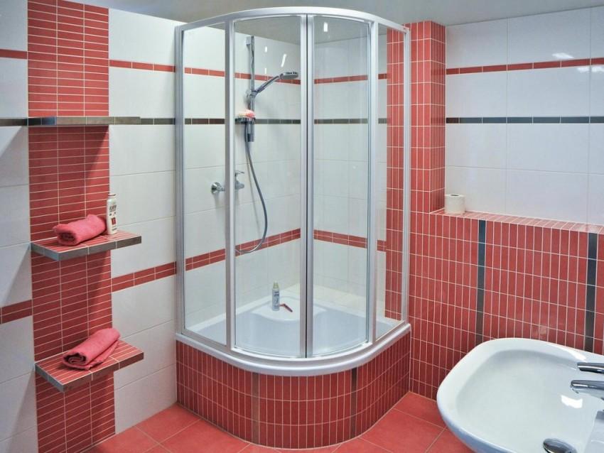 Красная ванная - современные яркие сочетания и правильное акцентирование внимания (100 фото-идей)
