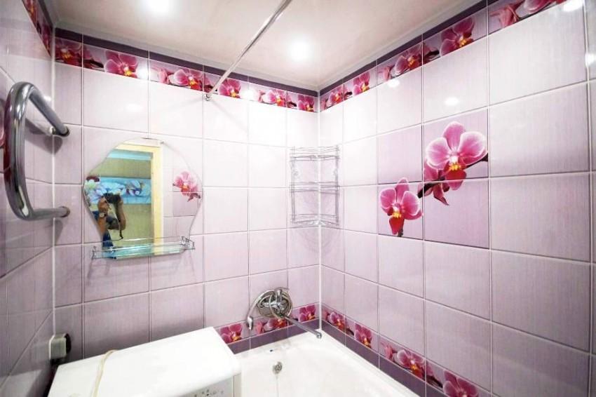 Плитки или пластики для ванн