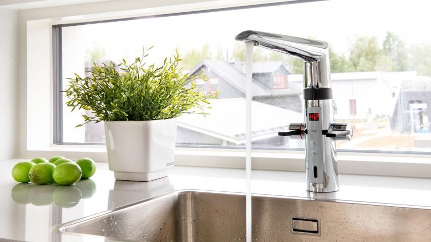 Смеситель для кухни: современные модели, лучшие сочетания и формы (65 фото)