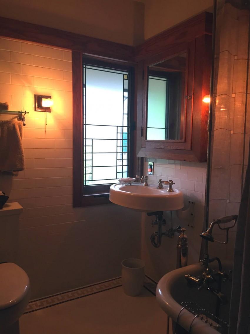 Ванная в доме - обустройство, идеи подбора оптимального варианта и описание планировки (150 фото)