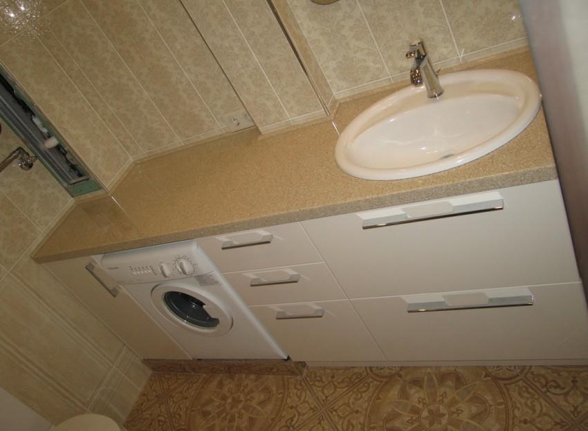 Строенная мебель в ванную Биде подвесное Laufen Pro 8.3095.2.000.304.1