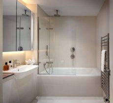 Заделка швов в ванной герметиком