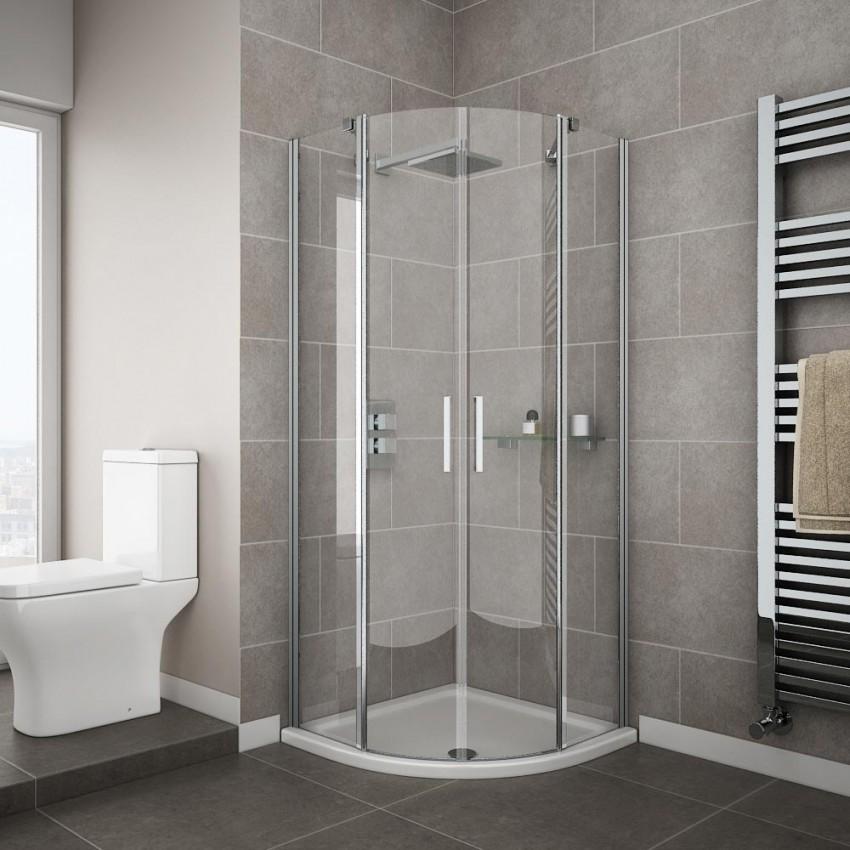 малогабаритная ванная с душевой в светлом оттенке фото