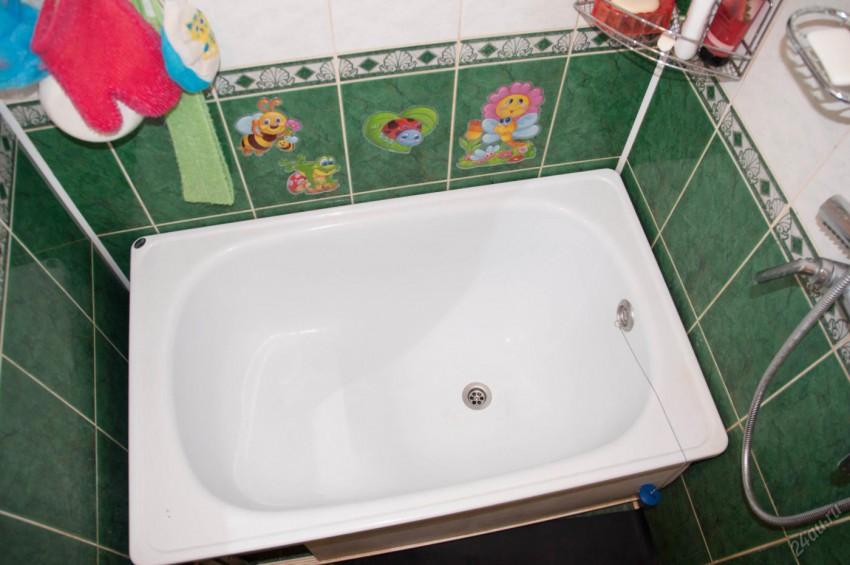 сидячая ванна в маленьком санузле
